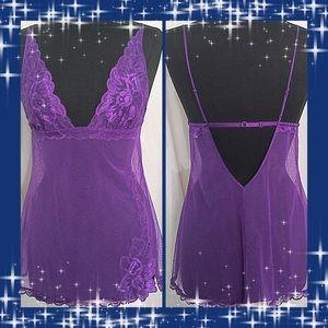 Victoria's Secret / Medium NWOT Purple Sexy Nighty